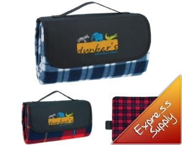 Roll up picnic blanket brandme for Au maison picnic blanket